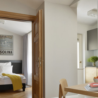daily-room-interior-doors-to-the-bedroom