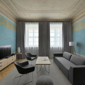historical-apartment-with-paintings-polychromies-restored