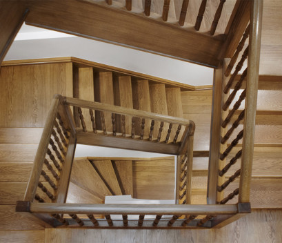 restored-historical-staircase-stairs-of-wood
